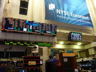 U.S. Investors Fear Market Correction But Expect Double Digit Gains in 2015