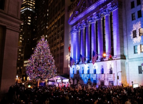 New York Stock Exchange Celebrates 94th Annual Christmas Tree Lighting